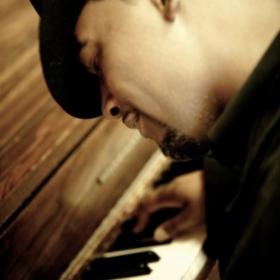 Profile_27760_pi_fugi_piano%5B1%5D