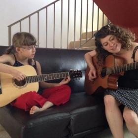 Profile_61871_pi_melissa-teaches-ellie-guitar