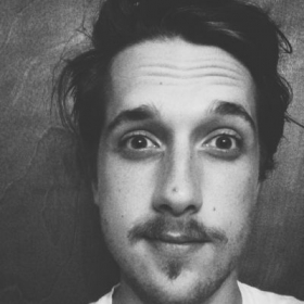 Profile_63931_pi_mustacheselfie