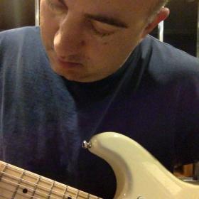 Profile_72159_pi_Guitar