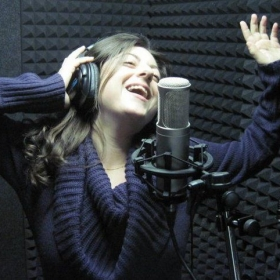 Profile_73023_pi_singing%20studio